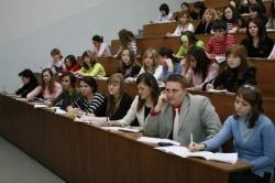 Лукашенко увеличил стипендии с 1 декабря