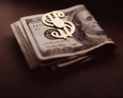 Нацбанк решил лишить население и предприятия долларов