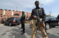 Пакистанская полиция наказана за арест голых