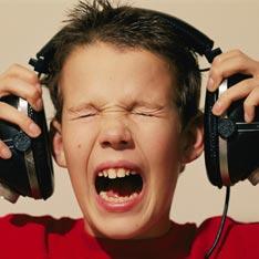 Громкую музыку следует слушать не больше часа в сутки