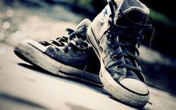 Заботливый вор взамен украденных кроссовок взамен оставил старые кеды